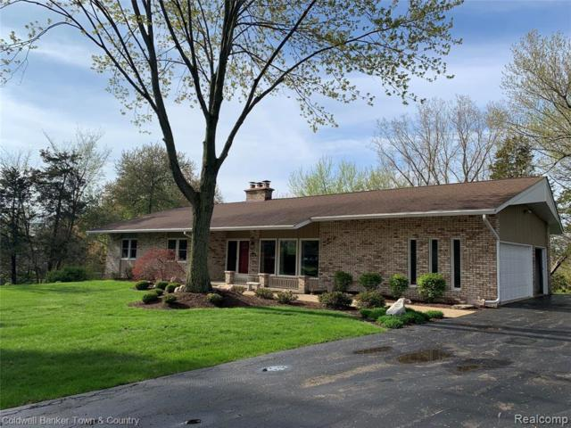 1426 Long Lake Dr, Brighton, MI 48114 (MLS #219045166) :: The Tom Lipinski Team at Keller Williams Lakeside Market Center