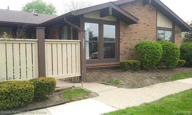2698 Roundtree Dr, Troy, MI 48083 (MLS #219046328) :: The Tom Lipinski Team at Keller Williams Lakeside Market Center