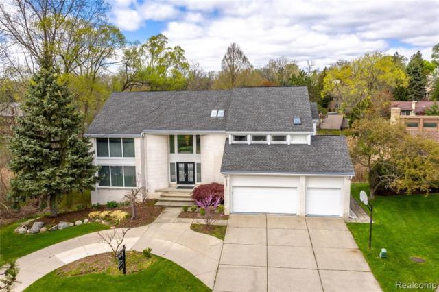 2998 Chambord Dr, West Bloomfield, MI 48323 (MLS #219045451) :: The Tom Lipinski Team at Keller Williams Lakeside Market Center