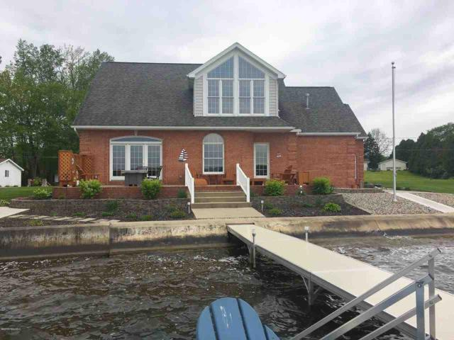 125 Lakeside Dr, Quincy, MI 49082 (MLS #19022442) :: The John Wentworth Group