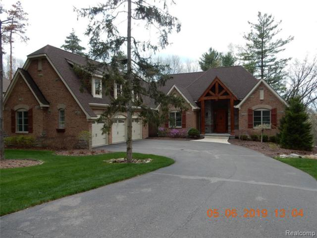 6168 Pinemont Dr, Brighton, MI 48116 (MLS #219049305) :: The John Wentworth Group