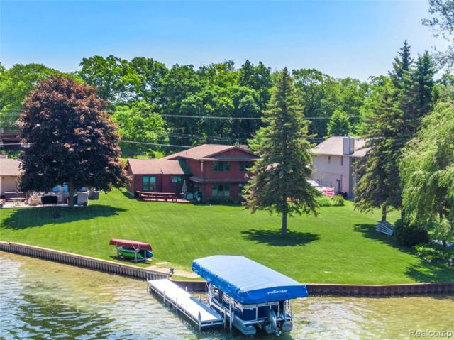 15396 Bealfred Dr, Fenton, MI 48430 (MLS #219056717) :: The John Wentworth Group