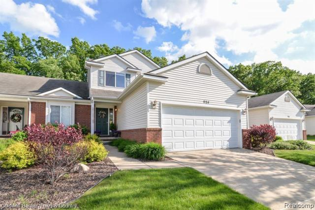 924 Spirea, Howell, MI 48843 (MLS #219057997) :: The John Wentworth Group