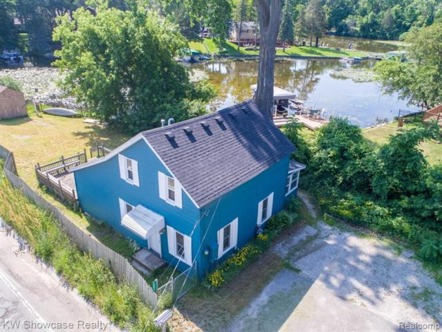 10071 Elizabeth Lake Rd, White Lake, MI 48386 (MLS #219063911) :: The John Wentworth Group