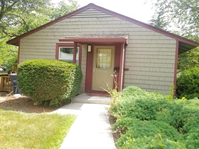 2332 Fernwood Ave, Ann Arbor, MI 48104 (MLS #3267125) :: The John Wentworth Group
