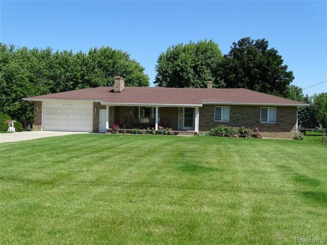 4114 W Court St, Flint, MI 48532 (MLS #219070387) :: The John Wentworth Group