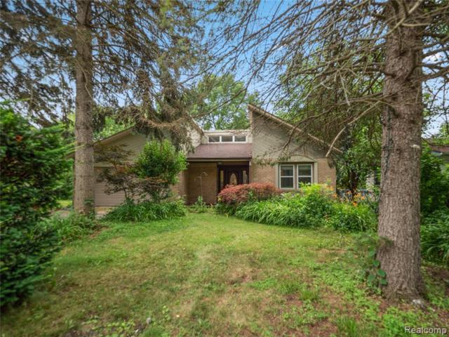 884 Trinway Dr, Troy, MI 48085 (MLS #219071377) :: The John Wentworth Group
