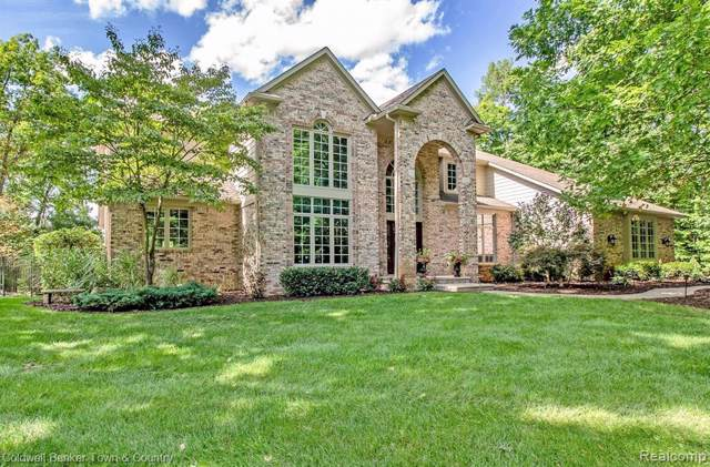 3819 Crystal Valley Dr, Howell, MI 48843 (MLS #219082948) :: The John Wentworth Group