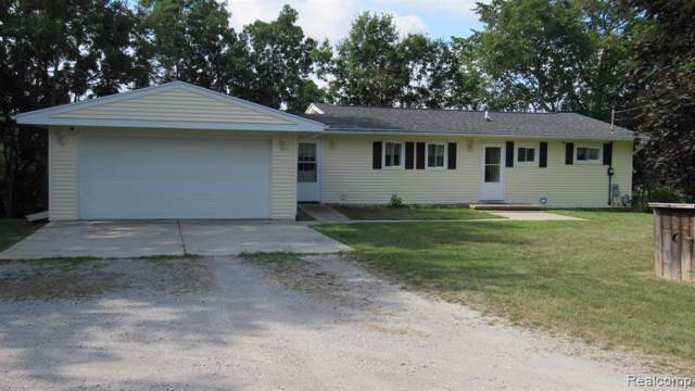9092 Ridge Rd, Goodrich, MI 48438 (MLS #219084433) :: The John Wentworth Group