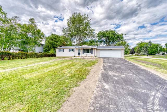 4309 Meadowlark Dr, Grand Blanc, MI 48439 (MLS #219086480) :: The John Wentworth Group