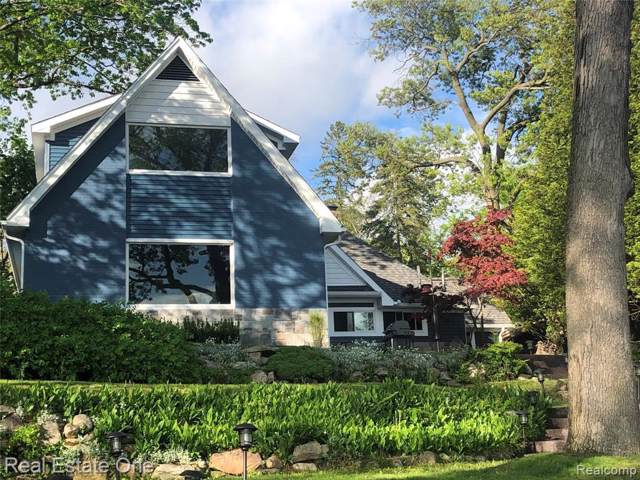 3819 Dorothy Ln, Waterford, MI 48329 (MLS #219102825) :: The John Wentworth Group