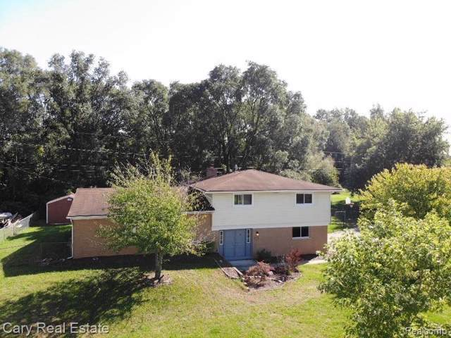 3656 Dill Dr, Waterford, MI 48329 (MLS #219103894) :: The John Wentworth Group