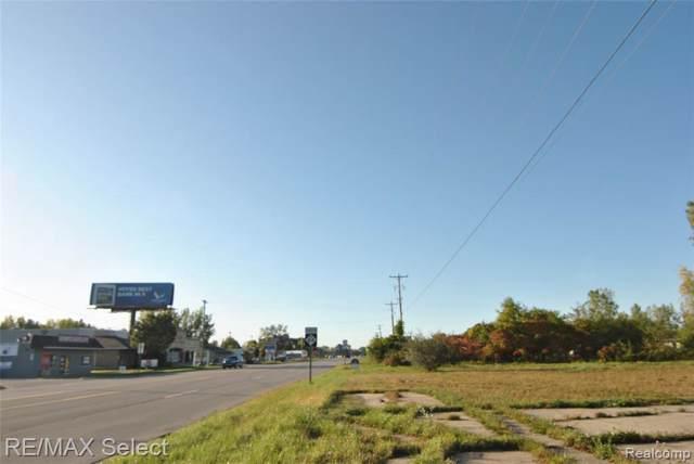 6483 Bay, Saginaw, MI 48604 (MLS #219105872) :: The BRAND Real Estate
