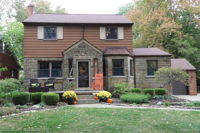 1864 Hawthorne Rd, Grosse Pointe Woods, MI 48236 (MLS #219106244) :: The Tom Lipinski Team at Keller Williams Lakeside Market Center