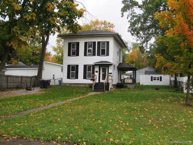 110 W Brooks St, Howell, MI 48843 (MLS #219106688) :: The John Wentworth Group