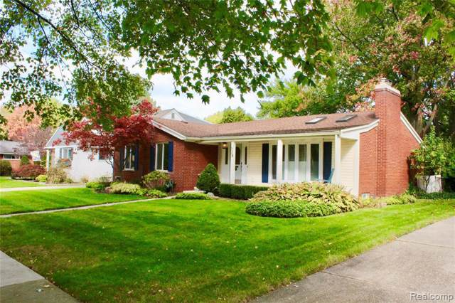728 Anita Ave, Grosse Pointe Woods, MI 48236 (MLS #219107175) :: The Tom Lipinski Team at Keller Williams Lakeside Market Center