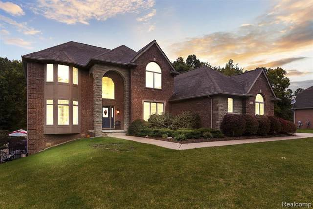 3606 Woodridge Dr, Howell, MI 48843 (MLS #219107357) :: The John Wentworth Group