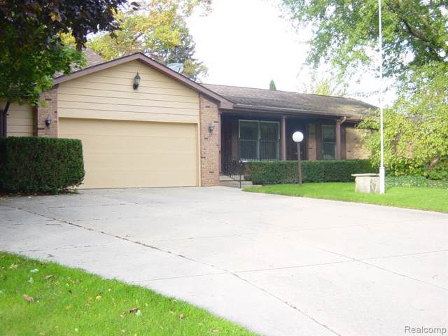 9212 Timberline Crt, Grand Blanc, MI 48439 (MLS #219104225) :: The John Wentworth Group