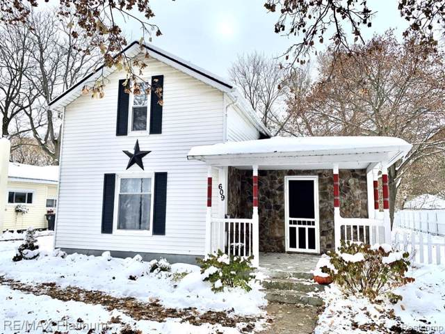 609 E Sibley St, Howell, MI 48843 (MLS #219115025) :: The John Wentworth Group