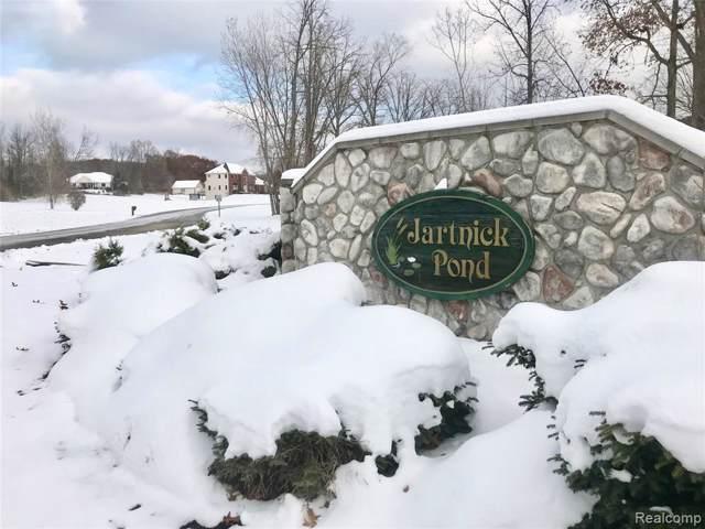 2195 Sundance Ridge, Howell, MI 48843 (MLS #219115581) :: The John Wentworth Group