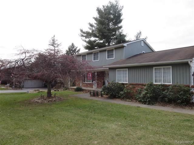 2901 Bullard Rd, Hartland, MI 48353 (MLS #219121037) :: The John Wentworth Group