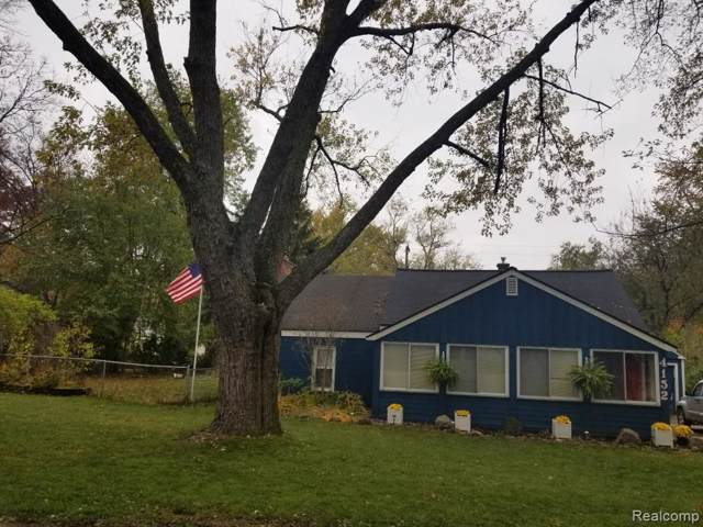 4152 Crestdale Ave, West Bloomfield, MI 48323 (MLS #219121130) :: The John Wentworth Group