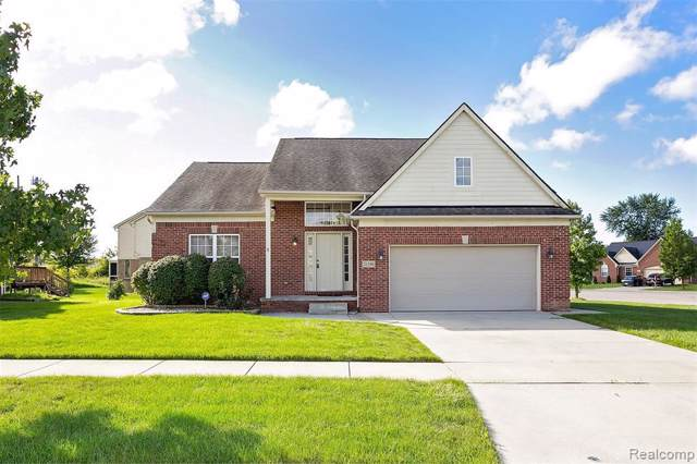 21196 Oak Ridge Dr, Clinton Township, MI 48036 (MLS #219121859) :: The Tom Lipinski Team at Keller Williams Lakeside Market Center
