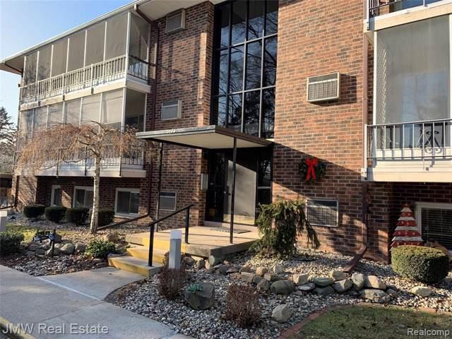 5875 W Michigan B-4 Ave Unit#116-Bldg#B, Saginaw, MI 48638 (MLS #219121969) :: The Tom Lipinski Team at Keller Williams Lakeside Market Center