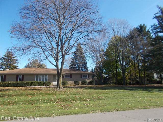 6898 Vernmoor Dr, Troy, MI 48098 (MLS #219121653) :: The Tom Lipinski Team at Keller Williams Lakeside Market Center