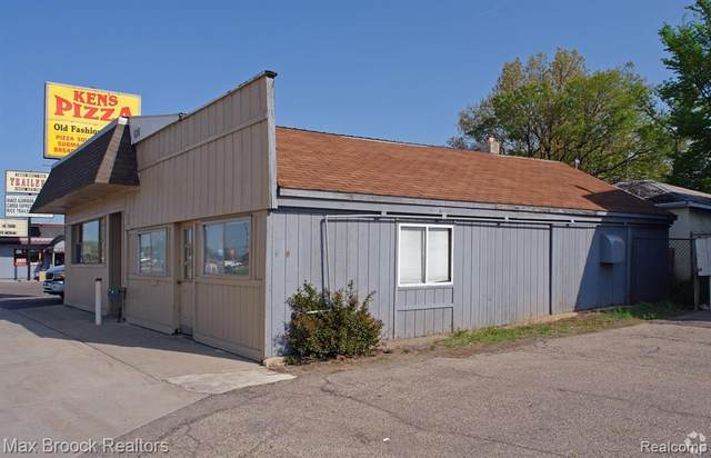4880 Highland Rd, Waterford, MI 48328 (MLS #2200011363) :: The Tom Lipinski Team at Keller Williams Lakeside Market Center