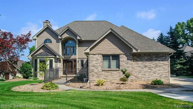 12618 Linda Vista St, Van Buren Twp, MI 48111 (MLS #2200012623) :: The John Wentworth Group