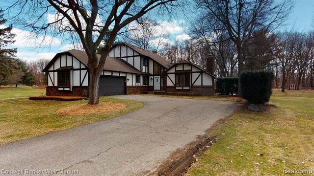 9344 Placid Way, Howell, MI 48843 (MLS #2200031054) :: The Tom Lipinski Team at Keller Williams Lakeside Market Center