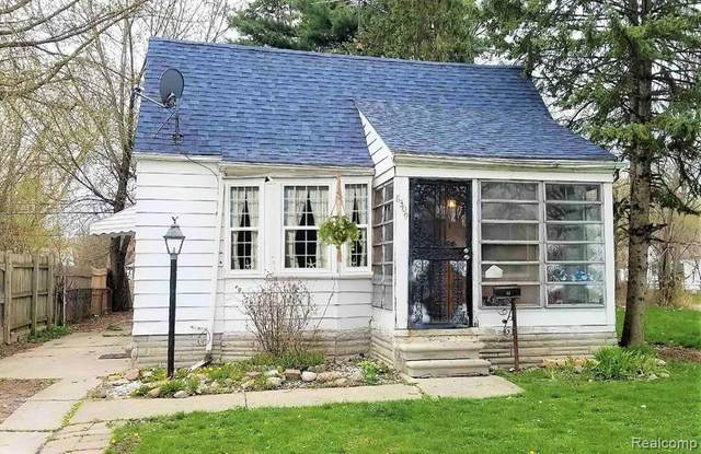 8309 Brace St, Detroit, MI 48228 (MLS #2200032339) :: Scot Brothers Real Estate