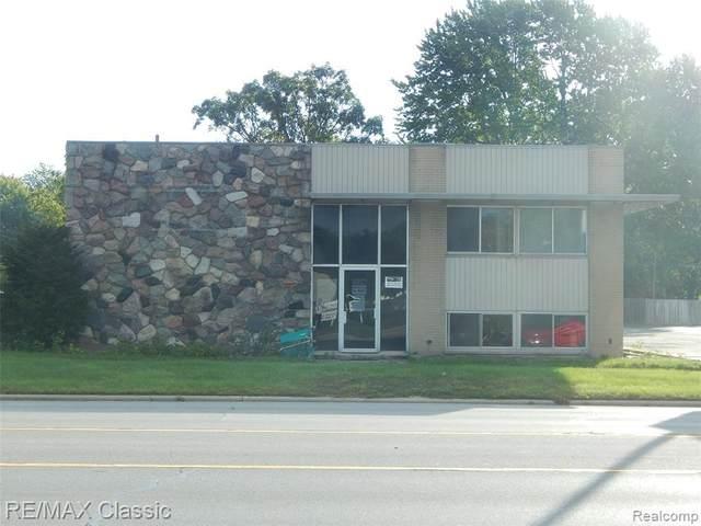 1812 Middlebelt Rd, Garden City, MI 48135 (MLS #2200033829) :: The Tom Lipinski Team at Keller Williams Lakeside Market Center