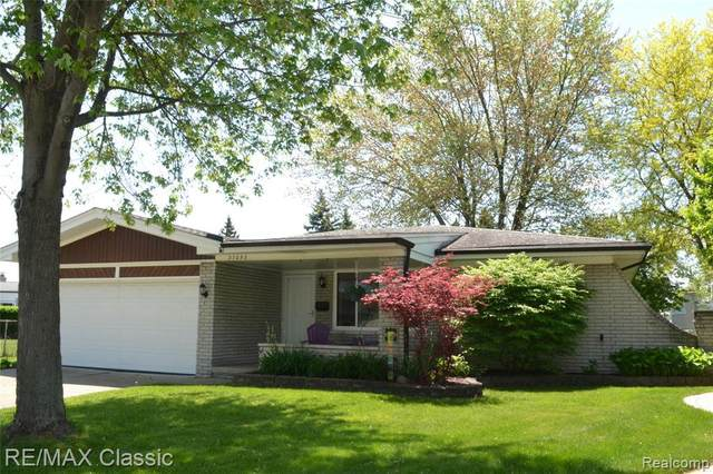 37053 Gary Dr, Sterling Heights, MI 48310 (MLS #2200036847) :: The Tom Lipinski Team at Keller Williams Lakeside Market Center