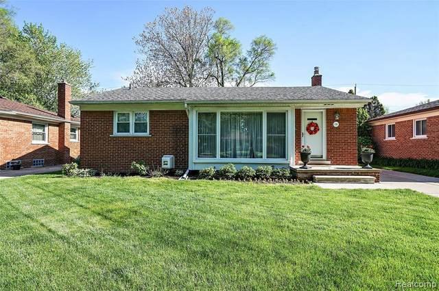 1746 Bowers St, Birmingham, MI 48009 (MLS #2200037027) :: The Tom Lipinski Team at Keller Williams Lakeside Market Center