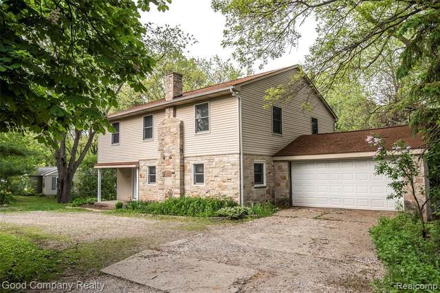 641 S Briarvale Dr, Auburn Hills, MI 48326 (MLS #2200027711) :: The Tom Lipinski Team at Keller Williams Lakeside Market Center