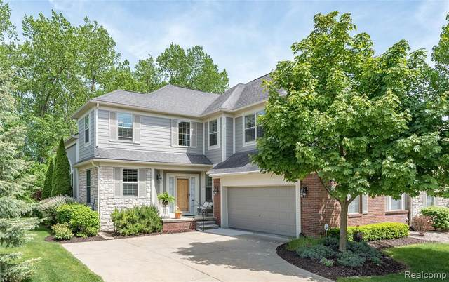 3685 Winding Brook Cir, Rochester Hills, MI 48309 (MLS #2200038892) :: The Tom Lipinski Team at Keller Williams Lakeside Market Center