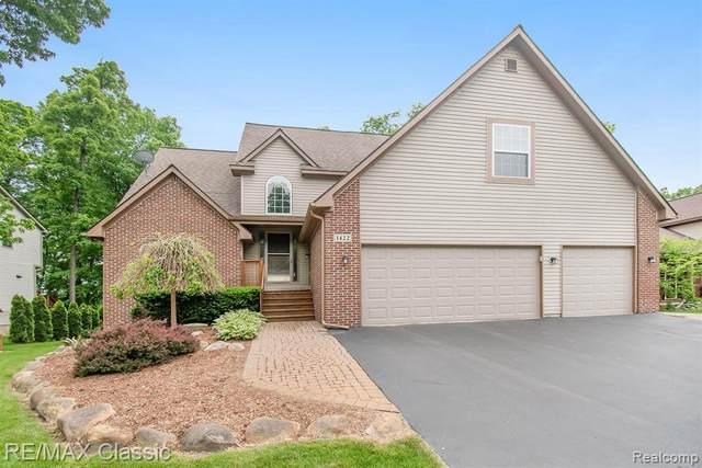 1422 Odette, Hartland, MI 48353 (MLS #2200041516) :: Scot Brothers Real Estate