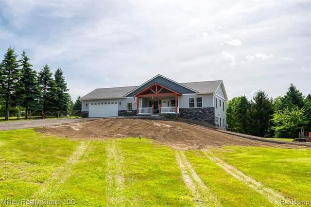 4989 Cullen Rd, Hartland, MI 48430 (MLS #2200042956) :: Scot Brothers Real Estate