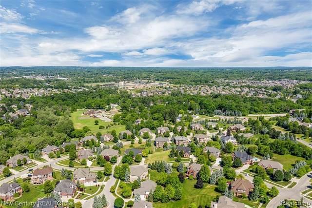 674 Springview Dr, Rochester, MI 48307 (MLS #2200044591) :: Kelder Real Estate Group