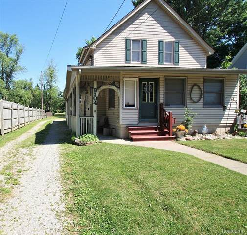 8104 Miller Rd, Swartz Creek, MI 48473 (MLS #2200049970) :: Scot Brothers Real Estate