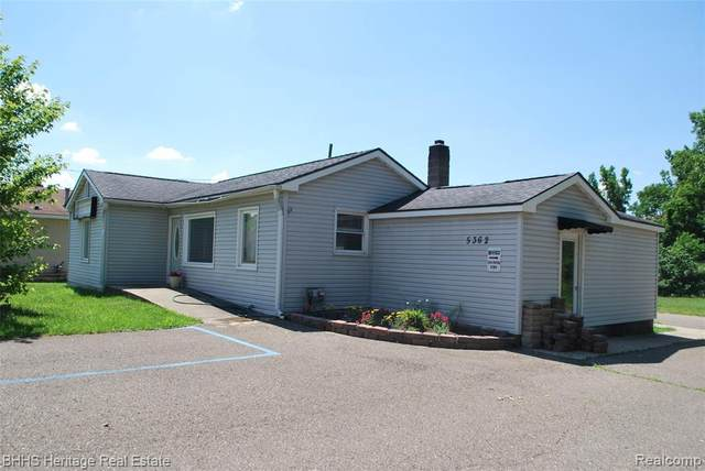 5362 E Grand River Ave, Howell, MI 48843 (MLS #2200050418) :: Scot Brothers Real Estate