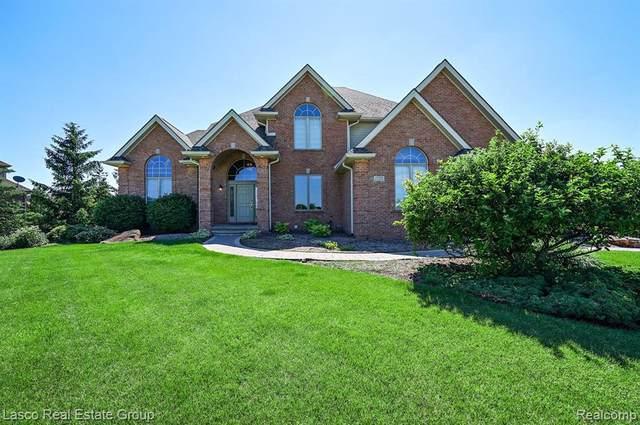 17091 Kings Fairway Ln, Grand Blanc, MI 48439 (MLS #2200049128) :: Scot Brothers Real Estate