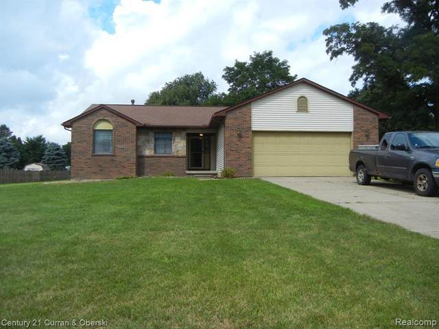 11345 Chriswood Dr, Fenton, MI 48430 (MLS #2200061876) :: Scot Brothers Real Estate