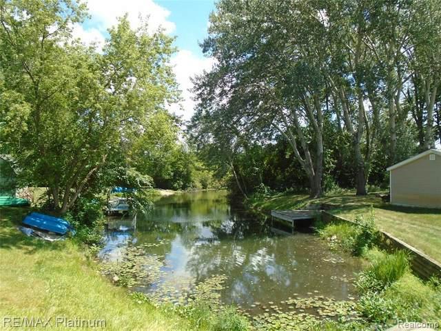 V/L Island Court, Hartland, MI 48353 (MLS #2200061938) :: The BRAND Real Estate