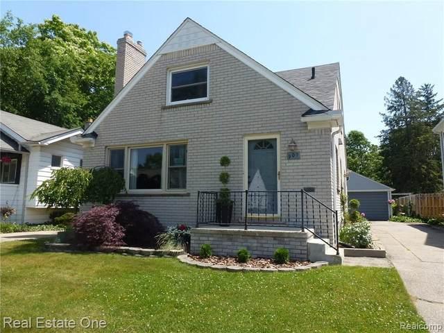 907 Wyandotte Ave, Royal Oak, MI 48067 (MLS #2200061953) :: Scot Brothers Real Estate
