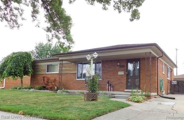 11543 Newbern Dr, Warren, MI 48093 (MLS #2200062185) :: Scot Brothers Real Estate