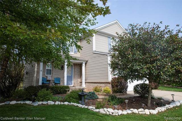 10341 Edgewater Trl, Holly, MI 48442 (MLS #2200078580) :: Scot Brothers Real Estate