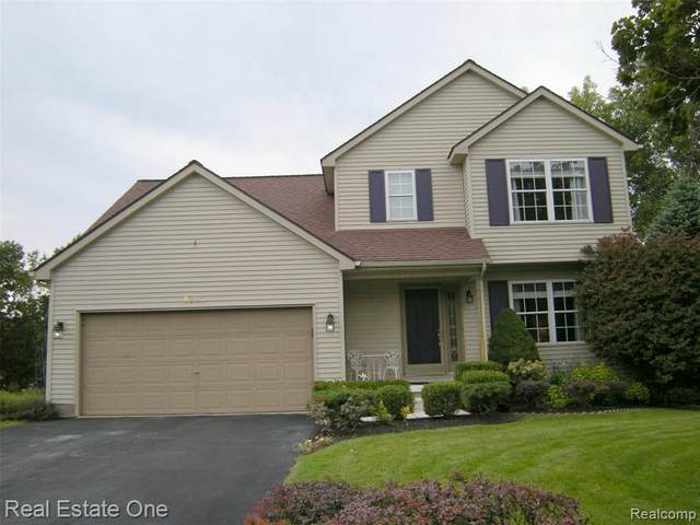 9263 Appleview Crt, Brighton, MI 48116 (MLS #2200078631) :: Scot Brothers Real Estate